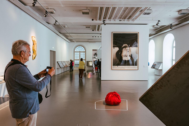 Documenta14 in Kassel - 2017 - Ausstellung - Kunst - Geschichten von unterwegs-9