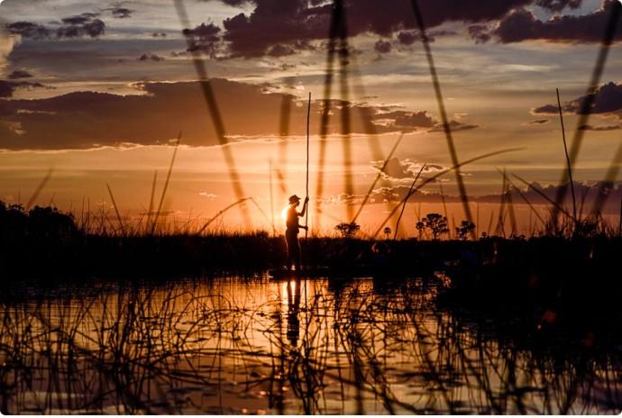 Sonnenuntergang im Okavango Delta.