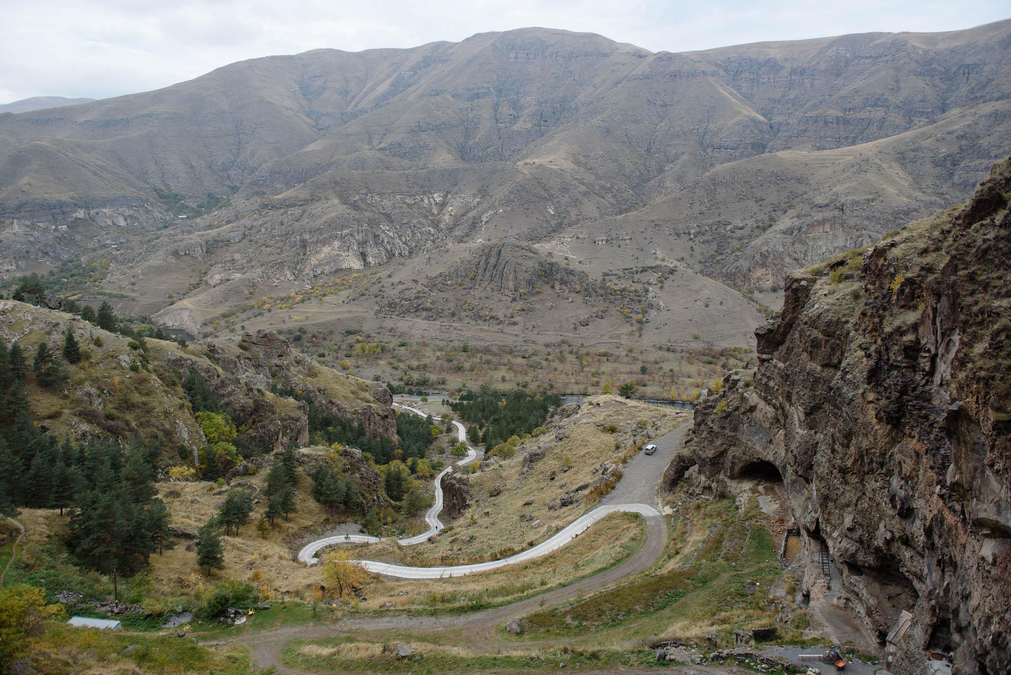 georgien-roadtrip-von-batumi-in-die-hoehlenstadt-wardsia-35
