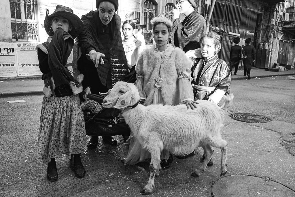 Purim - Mea Shearim - Jerusalem by Daniel Kempf-Seifried-2121