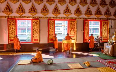 Buddhistische Ordination – Ein Mann wird zum Mönch